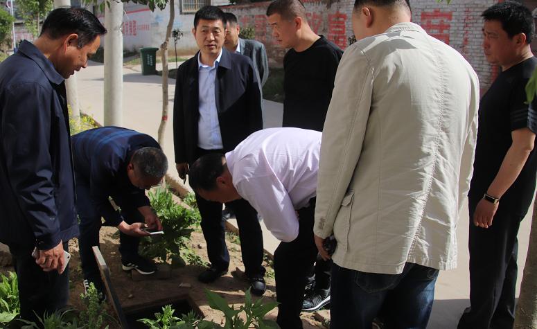 鎮平縣財政局副局長王兆倩一行蒞臨周口考察供水管理工作